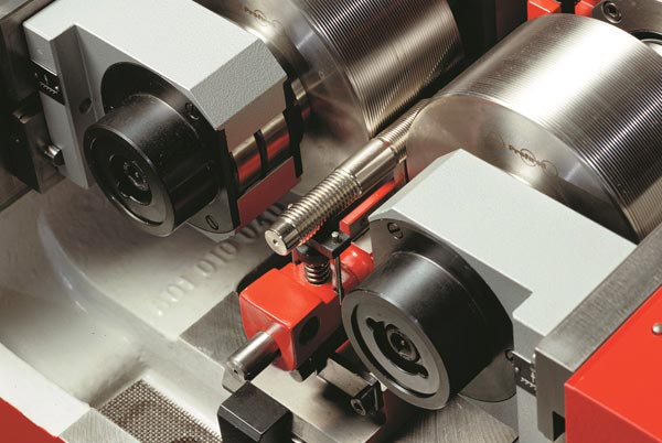 Gewinderolliermaschine