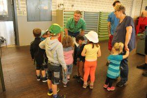 Kindergarten zu Besuch bei LOMA